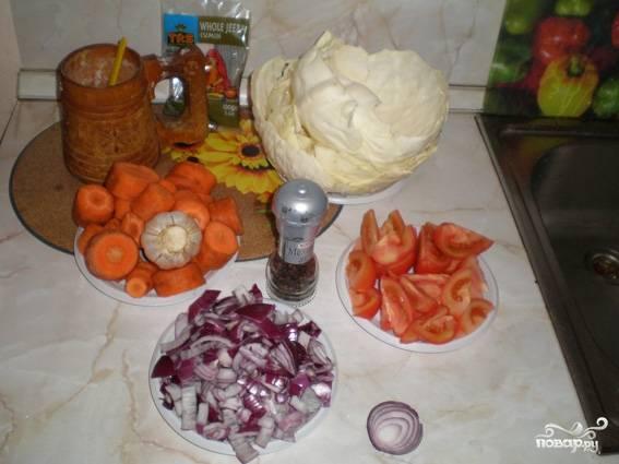 1. Дамляму традиционно готовят из баранины, но для этого блюда теоретически подойдет любое мясо. Я не очень люблю баранину, поэтому взяла свинину и говядину (по 400 гр).