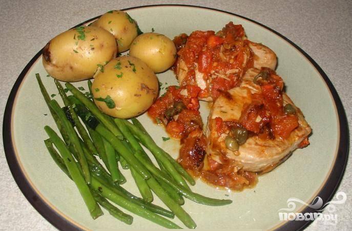 7.Подать на нагретых тарелках. На гарнир подать зеленую фасоль и молодой картофель. Приятного аппетита!