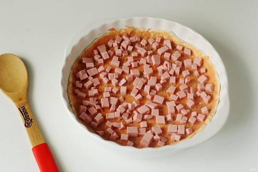В качестве начинки у меня вареная колбаса нарезанная кубиками.