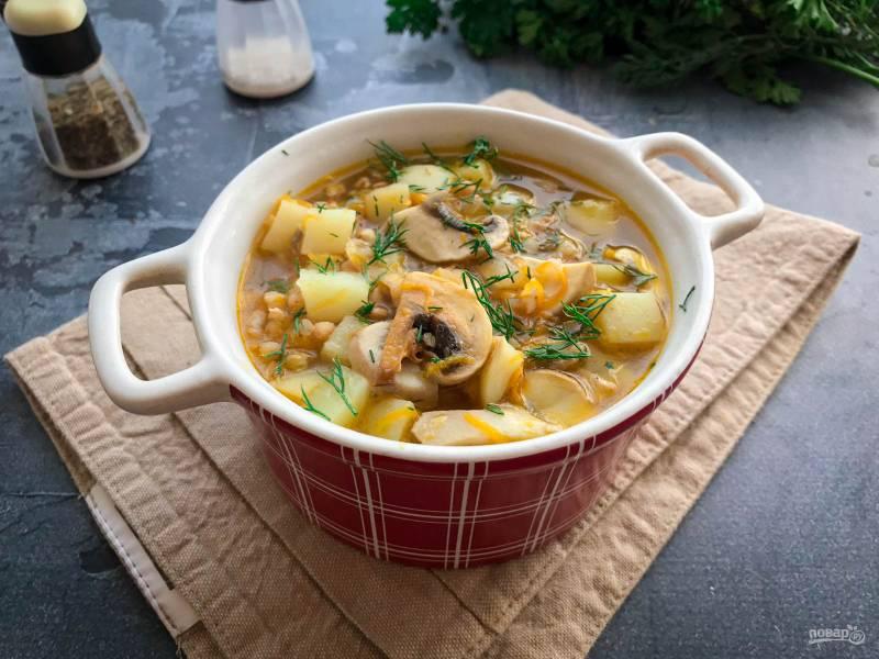 Грибной суп из шампиньонов с гречкой