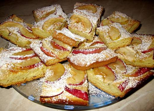 8. Посыпаем сахарной пудрой и наслаждаемся вкусом. Приятного аппетита!
