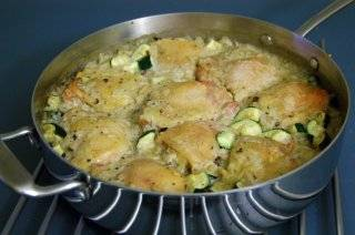 Готовому блюду дайте постоять пять минут. И приятного аппетита!