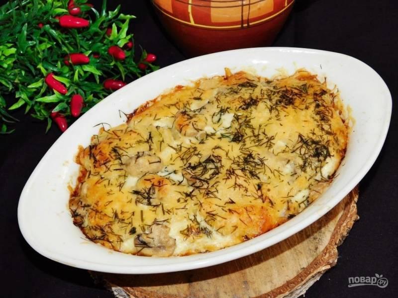 Картофель с грибами и сыром в духовке