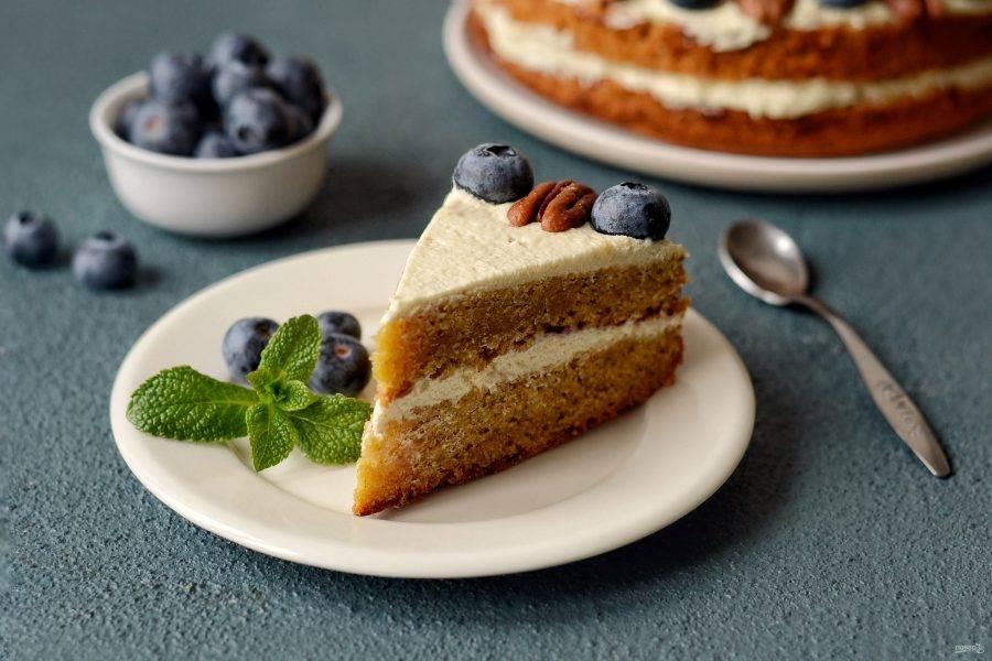 Постный морковный торт готов, приятного аппетита!