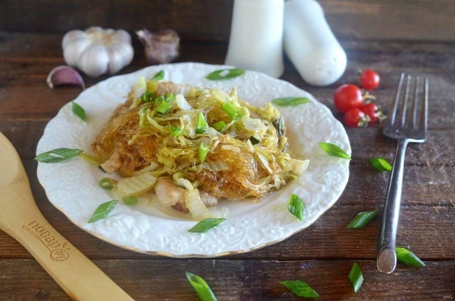 10. Подайте, посыпав блюдо зеленым луком. Приятного аппетита!