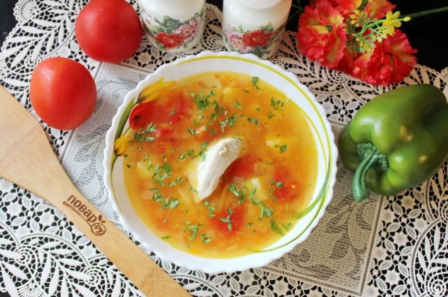 Гороховый суп по-турецки готов. Подавайте на первое в обед с кусочком курицы в тарелке.