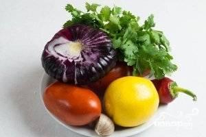 1.Подготавливаем все составляющие нашего будущего блюда, овощи моем и очищаем.