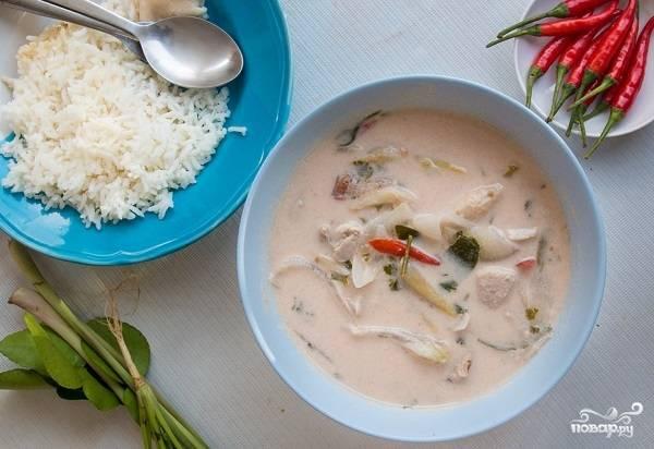 9. Вот и весь секрет, как приготовить Том Ям с кокосовым молоком, курицей и грибами. Приятного аппетита!