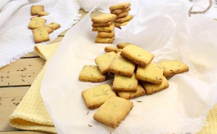 В духовке при 180 градусах выпекайте кукурузное печенье 15 минут на пергаментной бумаге. Приятного чаепития!