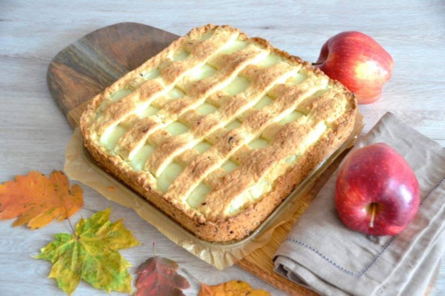 Подавайте пирог полностью остывшим. Приятного аппетита!