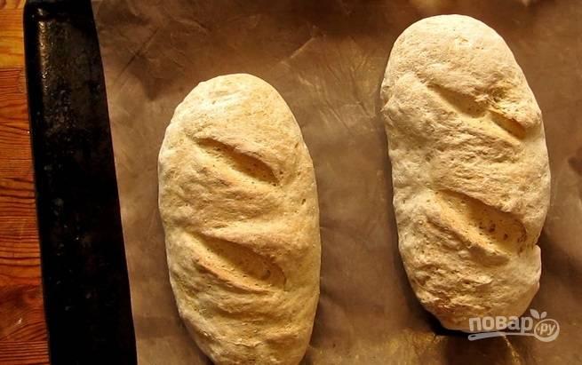 5.Запекайте хлеб в разогретом до 180 градусов духовом шкафу на 35-45 минут.