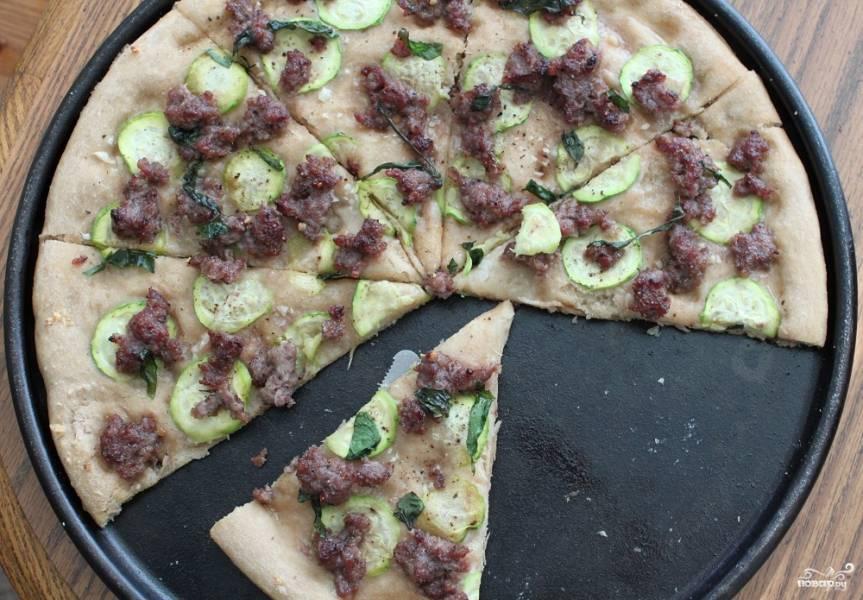 Пицца из кабачков с фаршем