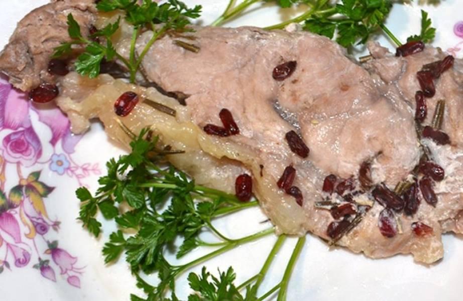 Свинина с барбарисом в духовке