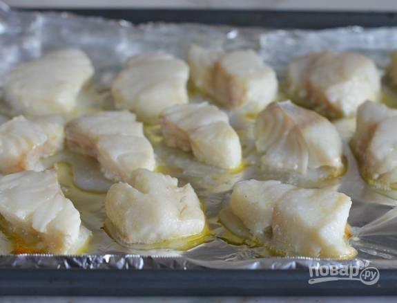 5. Потом рыбу отправьте в духовку на 10 минут при 200 градусах.