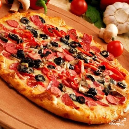 Пицца с помидорами в мультиварке