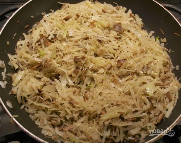 5.Обжарьте содержимое сковороды до готовности.