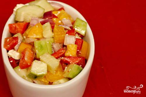 Средиземноморский салат с перцем