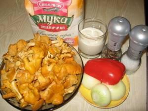 1. Приготовить гуляш из лисичек в домашних условиях очень просто. Такое блюдо можно готовить на основе любых грибов по вкусу.