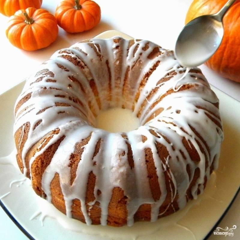 Даем торту постоять 20-30 минут, после чего подаем к столу. Приятного аппетита! ;)