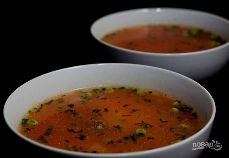 Томатный суп с говядиной и горошком