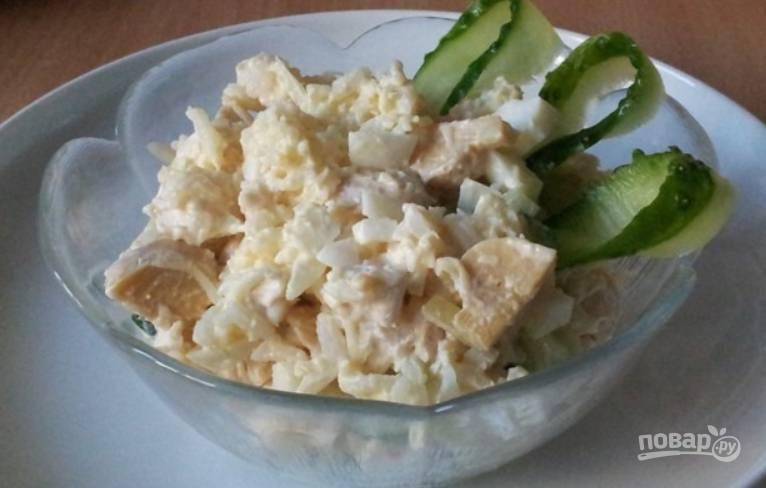 Салат с консервированными шампиньонами