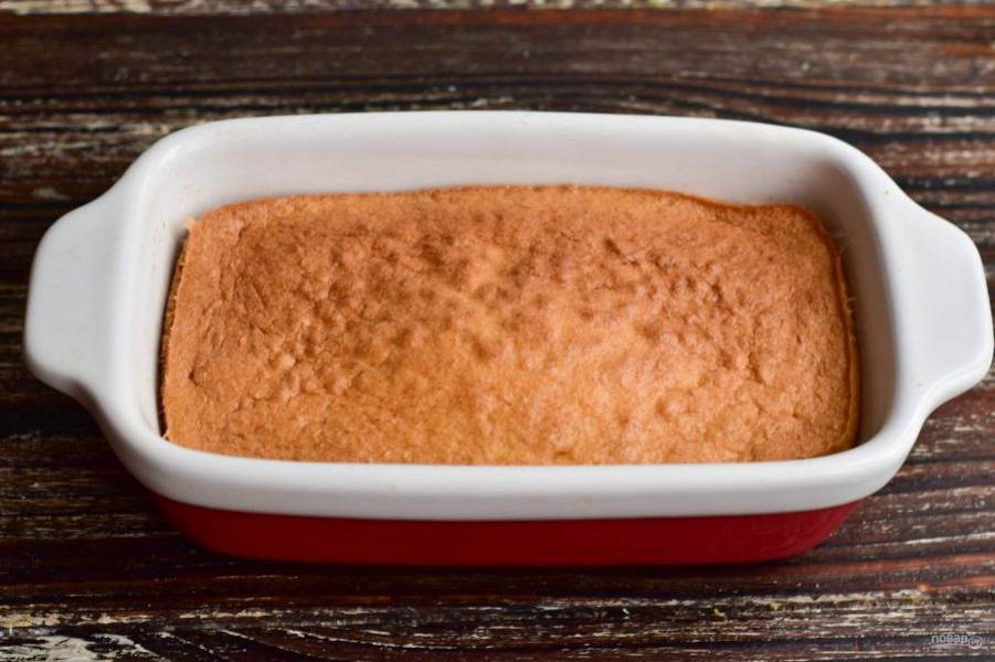 Отправьте суфле в разогретую до 190 градусов духовку на 15-20 минут.