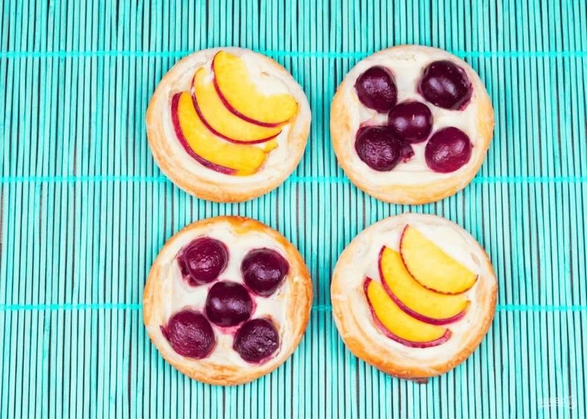 Слоеные пирожки на завтрак