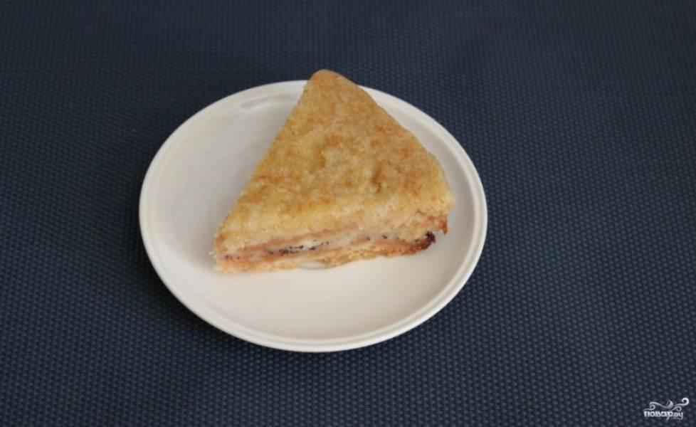 Готовый постный яблочный пирог в мультиварке можете присыпать сверху сахарной пудрой. Приятного аппетита!
