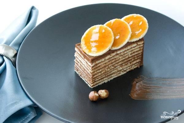 Бисквитный торт с шоколадом