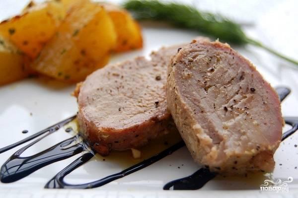 Свинина, запеченная с картошкой