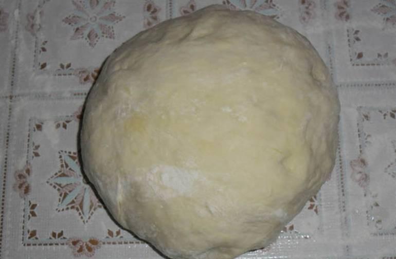 Оставьте тесто в теплом месте на 30 минут.