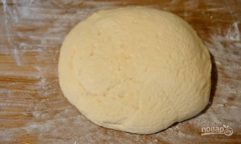 6.Перекладываете тесто в миску, оставляете на 20 минут, оно хорошо поднимается и получается пышным.