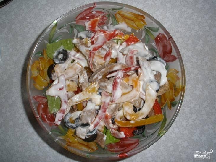 Салат с языком и перцем