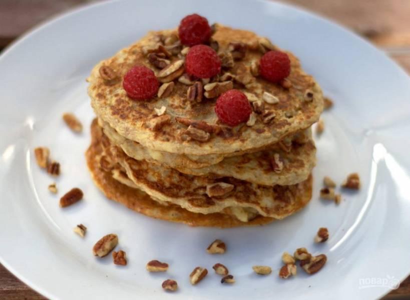 3. Обжарьте изделия с обеих сторон до золотистой корочки. Вкусного завтрака!