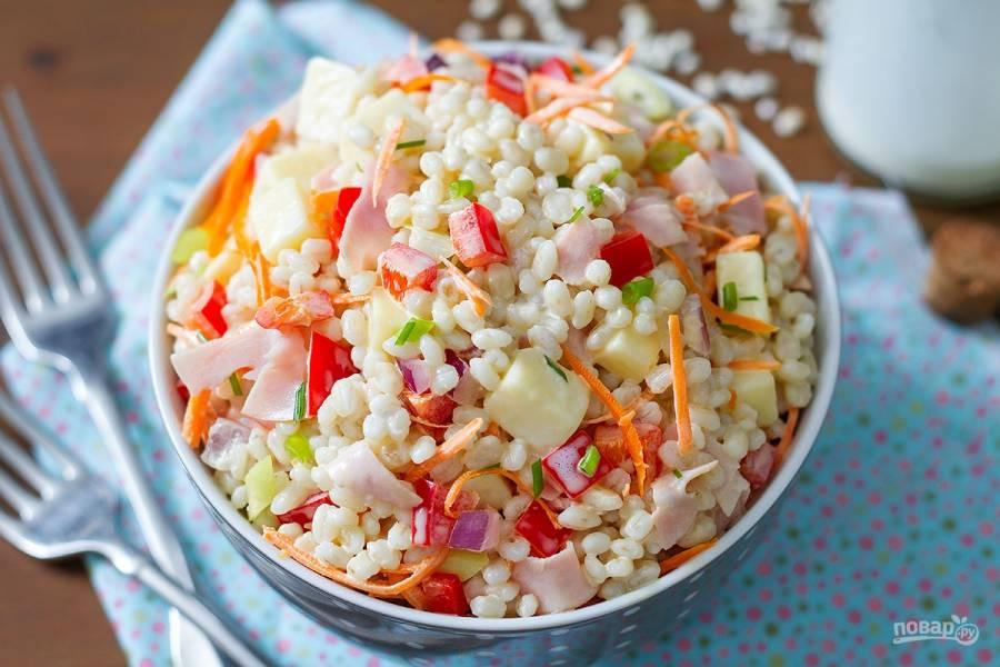 Рецепт салата с ветчиной и сыром