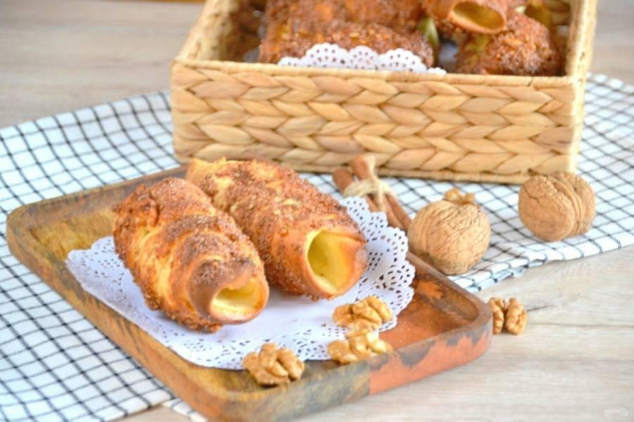 Словами не передать, какой на кухне стоит аромат при выпечке этих пражских булочек! Приятного аппетита!