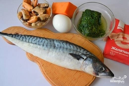 1. Вот такой аппетитный набор ингредиентов вам потребуется, чтобы на своей кухне повторить рецепт рулета из скумбрии с желатином.