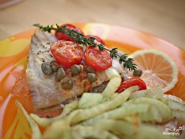 Подавать хорошо с овощным гарниром или рисом, и обязательно - с белым вином. Приятного аппетита! :)