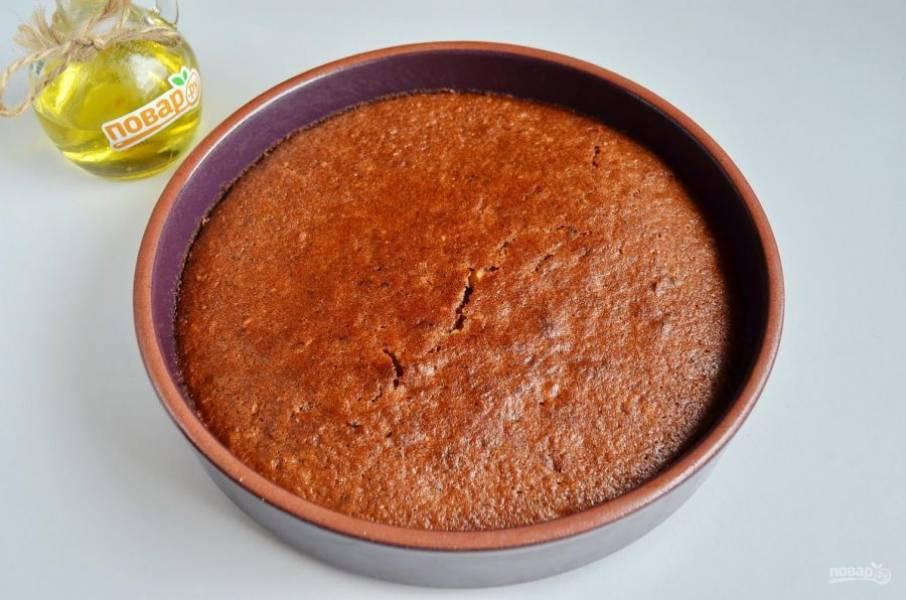 7. Коврижка готова! Верх пирога для блеска можно смазать любым сладким вареньем. Приятного аппетита!