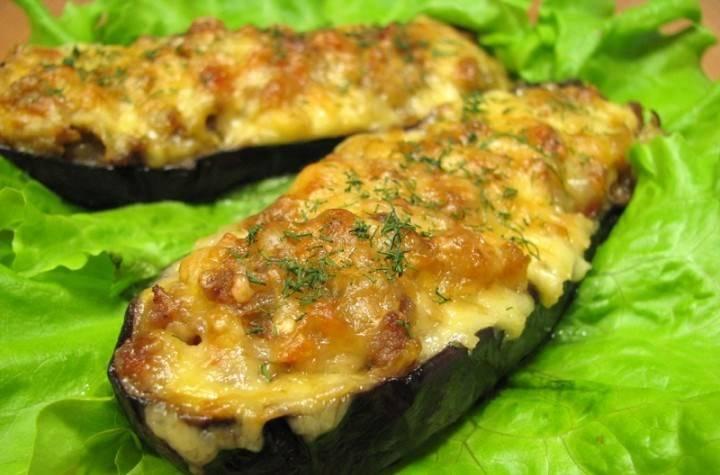 Готовое блюдо присыпаем измельченной зеленью. Приятного аппетита!