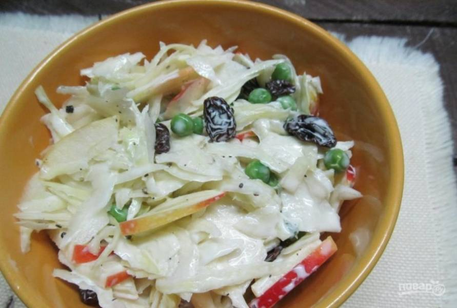 Соедините все ингредиенты, заправив их майонезом. Салат готов! Приятного аппетита!