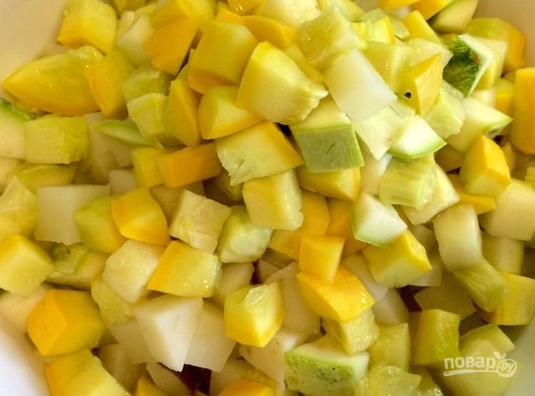 4. Слейте воду с готовых овощей.