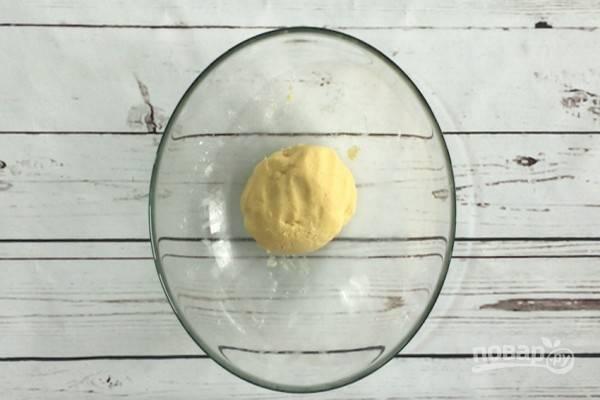 3.Замесите однородное тесто.
