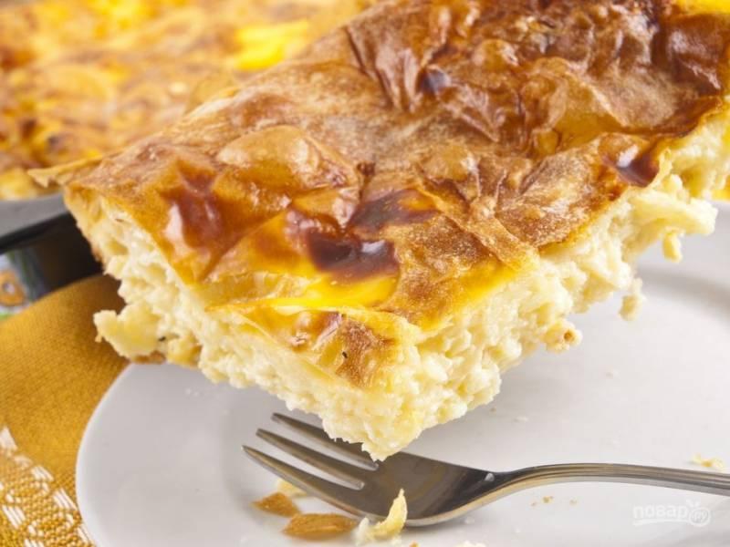 Пирог слоеный с сыром