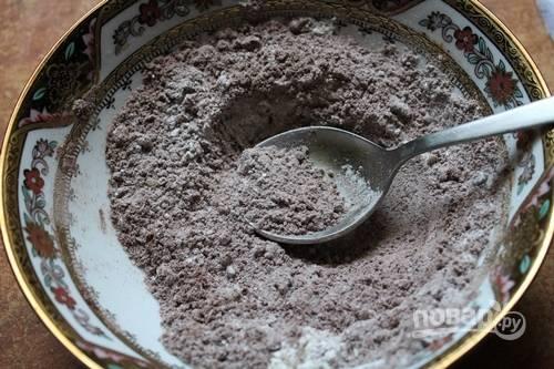 2.Хорошенько перемешайте ингредиенты, чтобы получилась однородная масса.