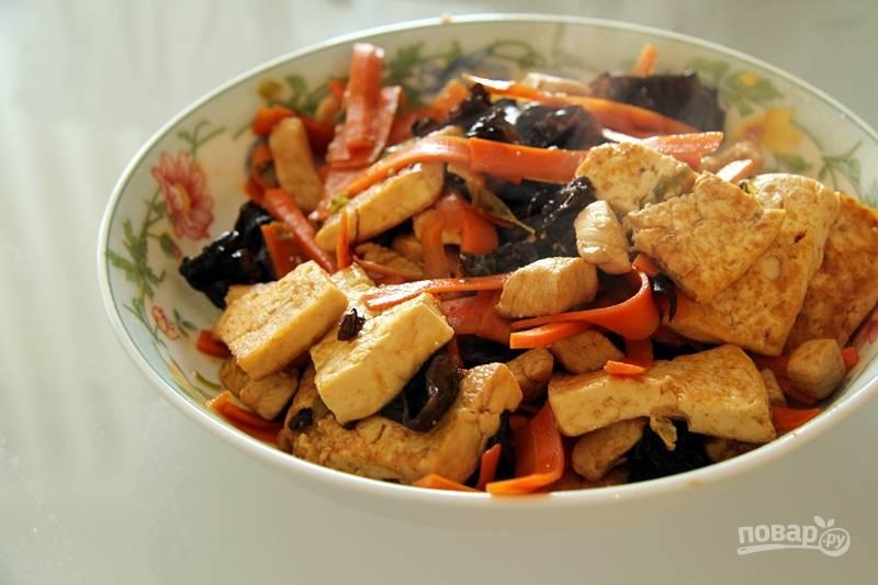 Курица с тофу и овощами