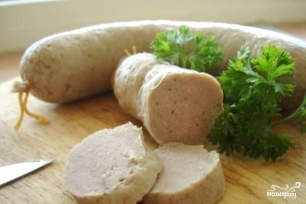 Колбасу полностью охладите и храните в холодильнике. Приятной дегустации!