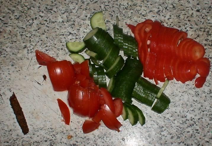 Остальные овощи шинкуем произвольно.