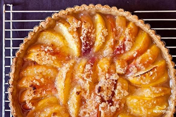 Песочный пирог с персиками готов! Приятного аппетита!