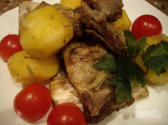 Говяжьи ребра в духовке с картошкой